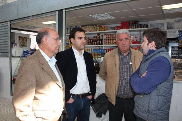 Moriña Y Díaz En El Mercado De Heliópolis.
