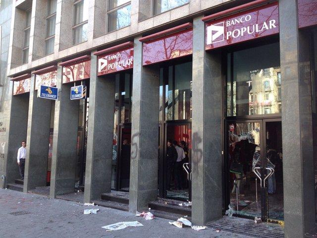 Entidad Bancaria En La Que Han Irrumpido Estudiantes