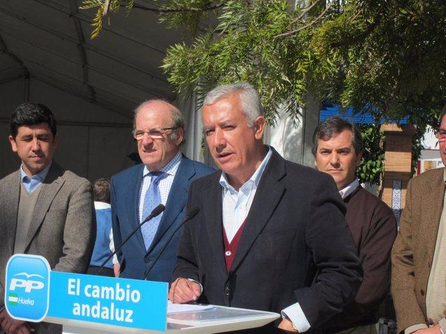 El Candidato Popular A La Junta De Andalucía, Javier Arenas, En Isla Cristina.