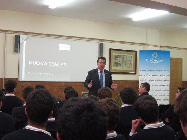 Presidente Fernando Manzano Colegio Tomillar