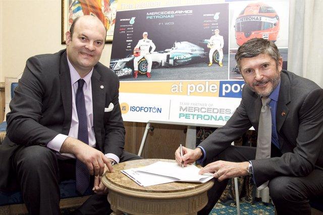 Firma Del Acuerdo Entre Mercedes E Isofotón