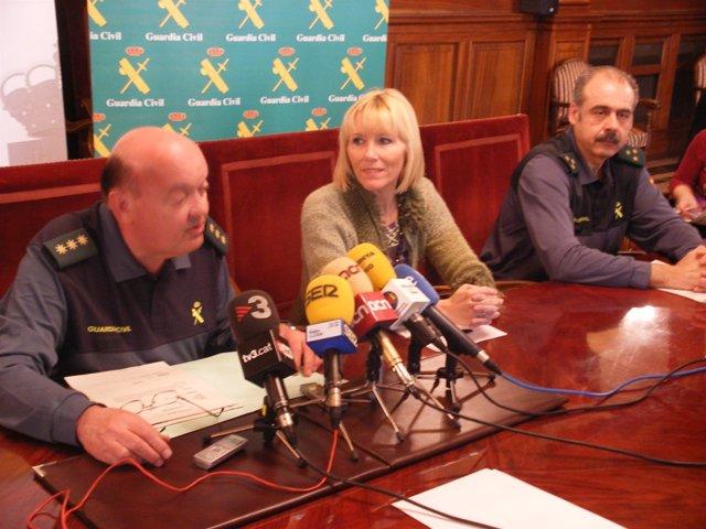 La Subdelegada En Lleida I. Manso, El Coronel P.Rodríguez Y El Capitán V.Luengo