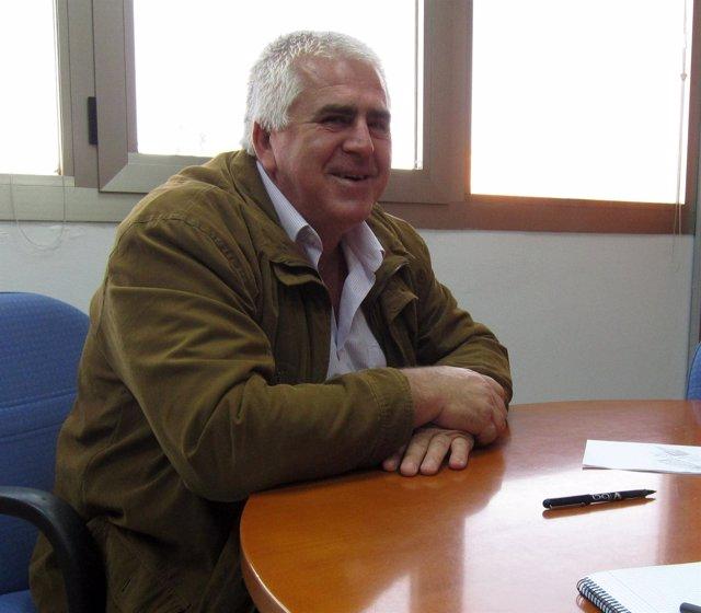 , Miguel López.