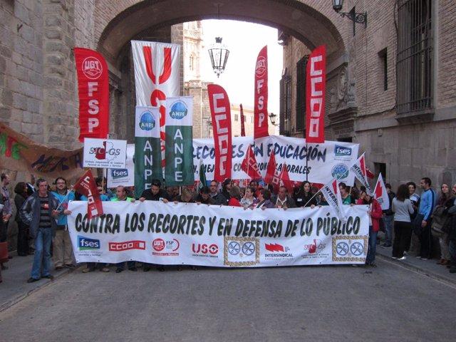 Cabecera De La Manifestación En Toledo