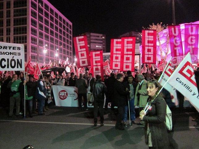 Participantes En La Concentración De UGT Y CC.OO En Valladolid.