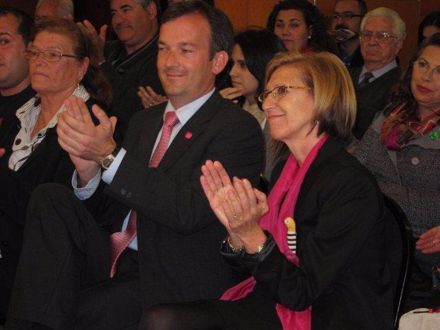 La Líder De Upyd, Rosa Díez, Y El Candidato A La Presidencia De La Junta.