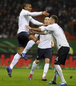 Francia Sorprende A Alemania En Bremen Y Se Postula Para La Eurocopa