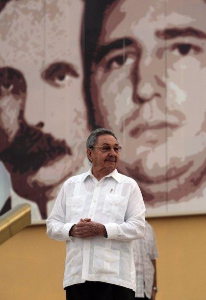 Castro crea el Ministerio de Industrias y el Ministerio de Energía y Minas