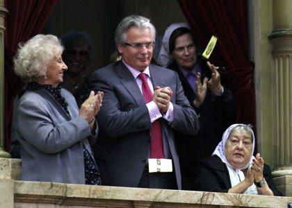 Garzón, aplaudido por los diputados del Congreso argentino