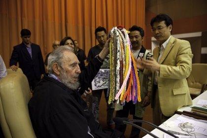 Fidel Castro se reúne en Cuba con supervivientes de las bombas de Hiroshima y Nagasaki