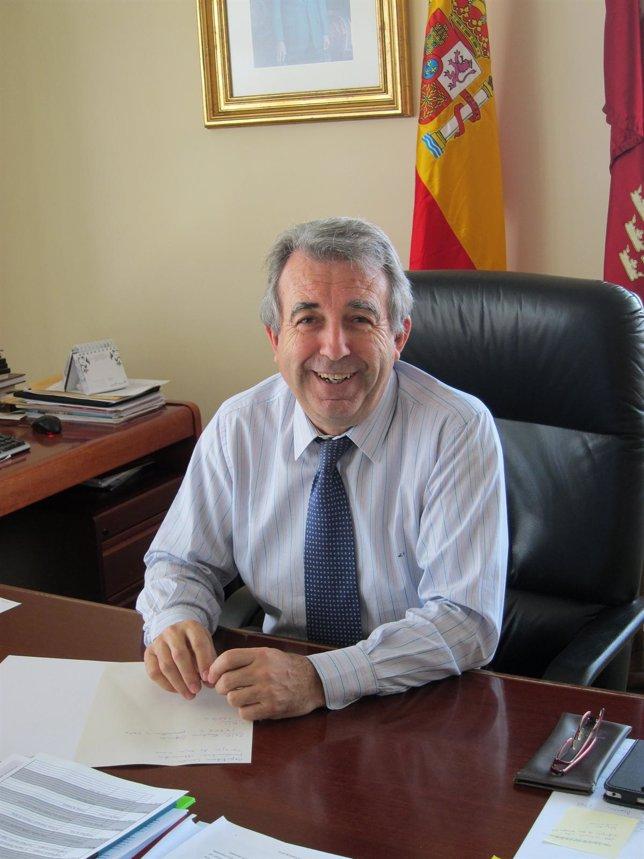 El Consejero De Agricultura Y Agua, Antonio Cerdá