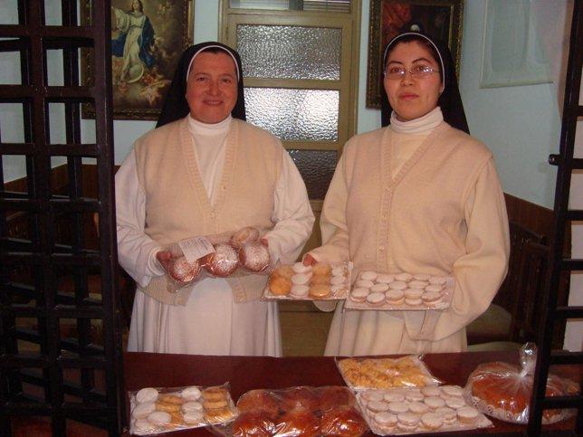 Sor Liliana (D) Y Sor María Jesús, En El Convento.