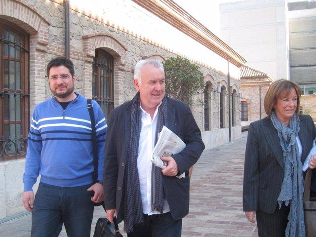 Cayo Lara En Valencia Junto A Ignacio Blanco Y Marga Sanz