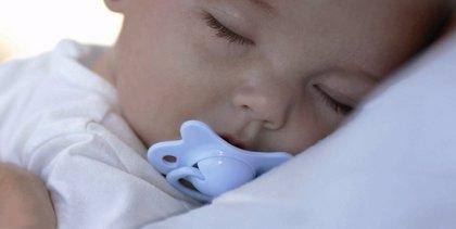 Los niños con dificultades para respirar durante el sueño, más propensos a problemas emocionales y de conducta