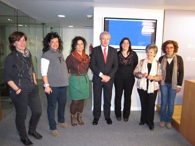 Del Río Con Mujeres De Cooperación