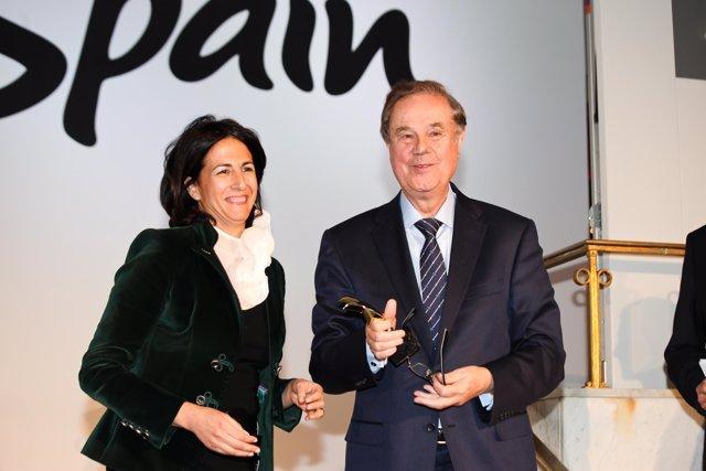 Borrego Y El Presidente De Meliá Hotels, Gabrierl Escarrer