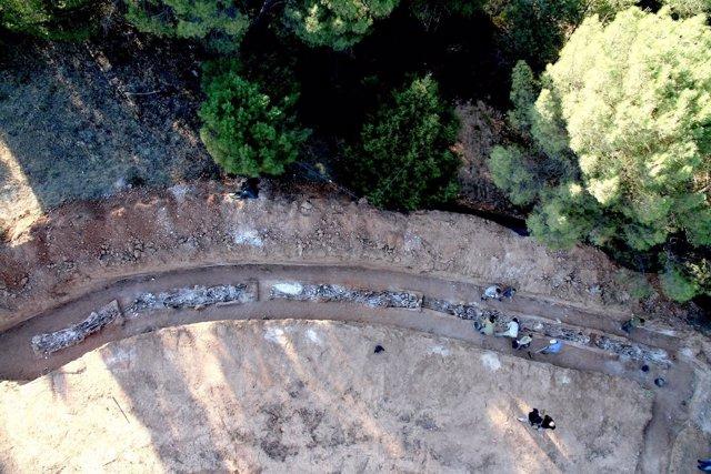 Trabajos De Exhumación En Un Pueblo De Burgos