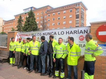 Trabajadores de Ambulancias Transaltozano se concentran en los principales hospitales para reclamar sus nóminas