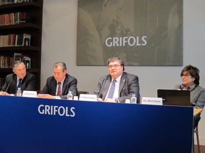 Grifols ensayará una vacuna pionera contra el Alzheimer