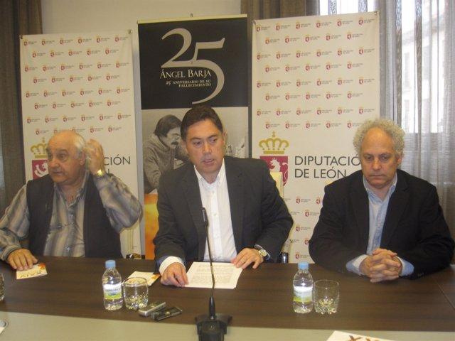 Marcos Martínez, Durante La Presentación Del Memorial.