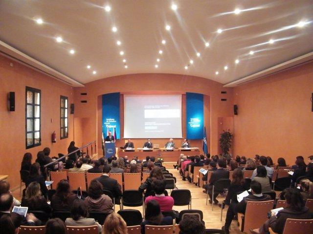 Manuel Olivencia En Una Jornada Del Instituto De Estudios De Cajasol