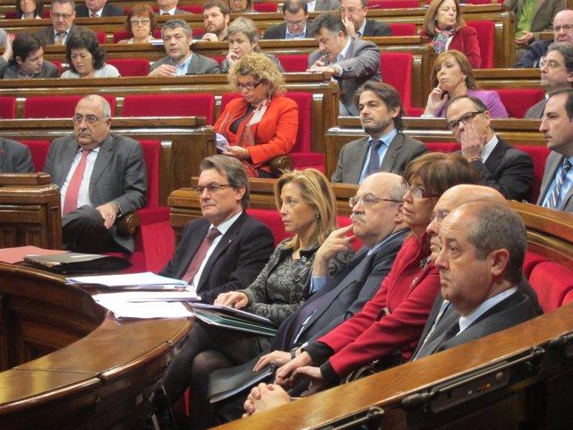 El Govern En El Pleno Del Parlament, Encabezado Por El Pte.A.Mas