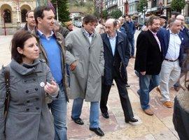 """Rubalcaba: Rajoy """"esconde"""" los presupuestos """"por intereses electorales espurios"""""""