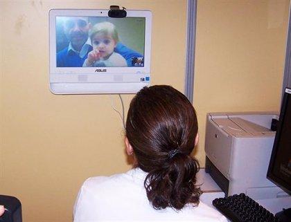 Una veintena de escuelas infantiles cuentan con un pediatra online que valora al niño por videoconferencia