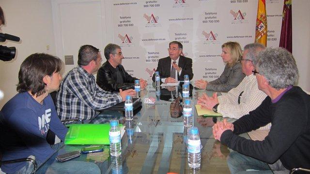 Reunión  De La Asamblea De Vecinos De Lorca Con El Defensor Del Pueblo