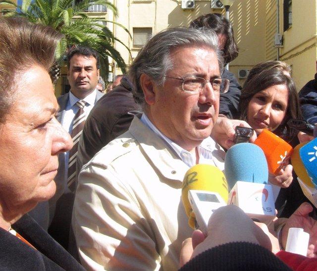 El Alcalde De Sevilla, Juan Ignacio Zoido, Junto A Rita Barberá