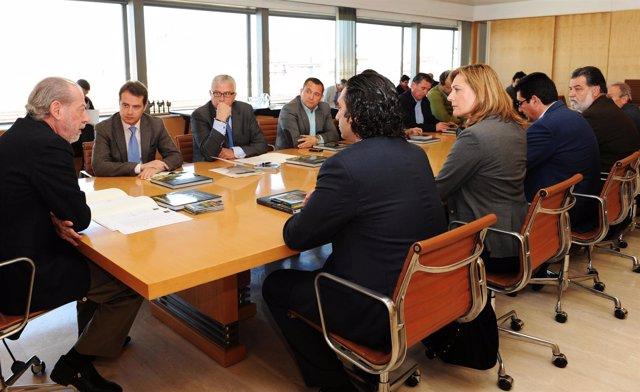 Rodríguez Villalobos Reunidos Con Agentes Sociales En La Diputación