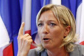 Le Pen acusa al Sarkozy de permitir que islamistas se adueñen de los suburbios