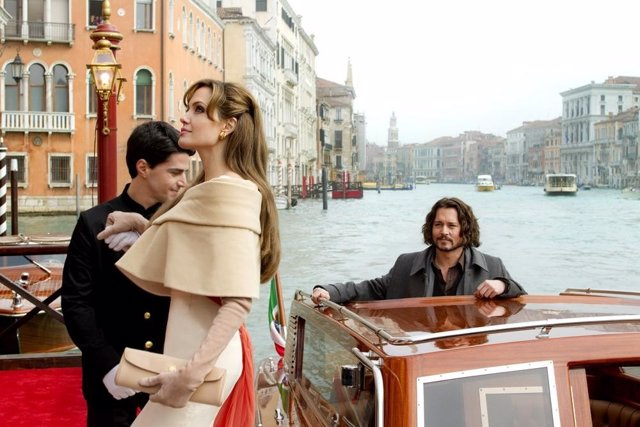 Angelina Jolie y Johnny Depp en The Tourist