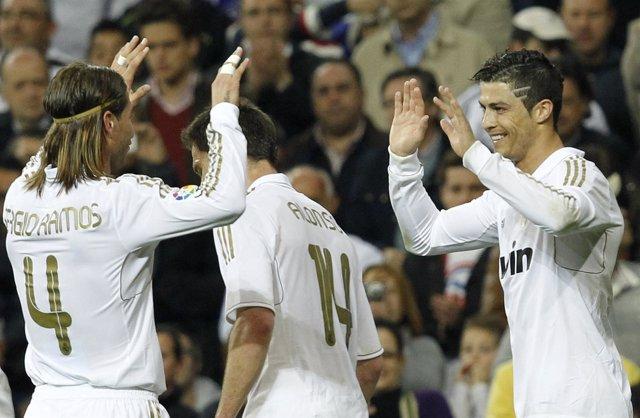 El Real Madrid Festeja El Primero De Los Goles