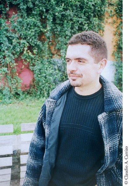 El escritor argentino Leopoldo Brizuela, Premio Alfaguara de Novela 2012