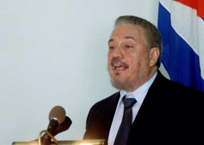 Cuba.- Hijo de Fidel Castro recibe título de doctor honoris causa en física nuclear y se lo dedica al exmandatario