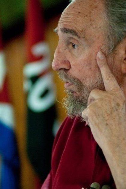 """Fidel Castro saludará """"gustosamente"""" al Papa"""