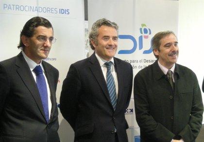 """El IDIS trasladará a Ana Mato """"después de Semana Santa"""" su propuesta de desgravación fiscal para los seguros privados"""