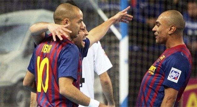 Ari E Igor Celebran Un Gol Del Barcelona De Fútbol Sala