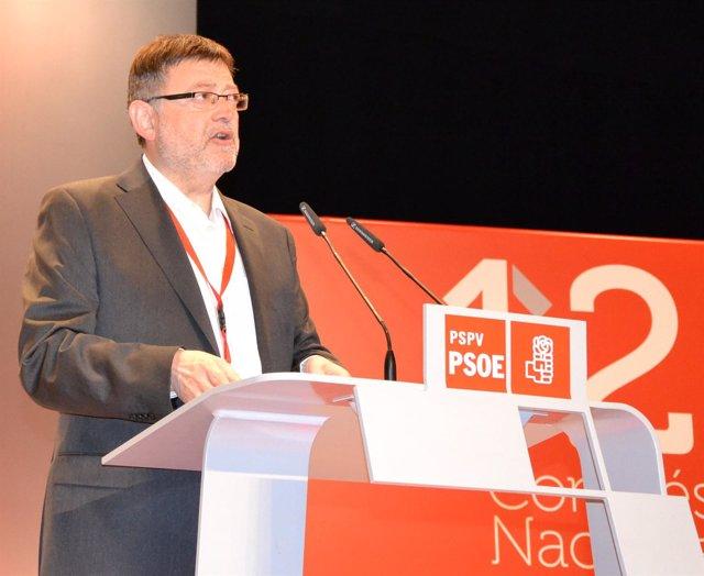 El Secretario General Del PSPV, Ximo Puig, En Su Intervención Como Candidato.