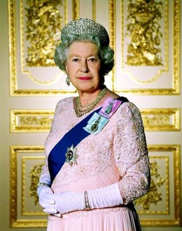 Retrato Oficial De La Reina Isabel II