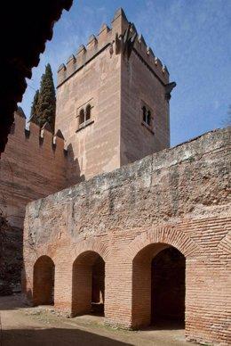 Torre De Los Picos De La Alhambra