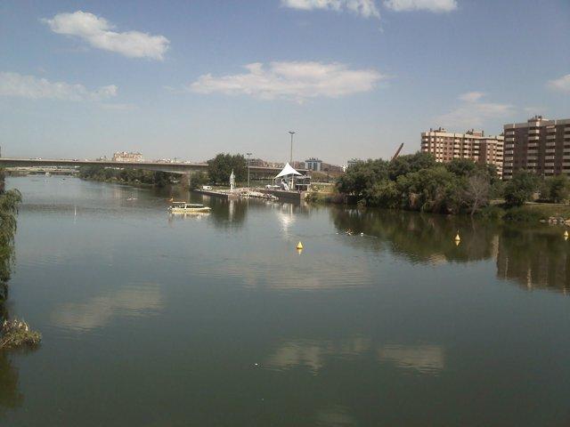 Nagegación En El Río Ebro