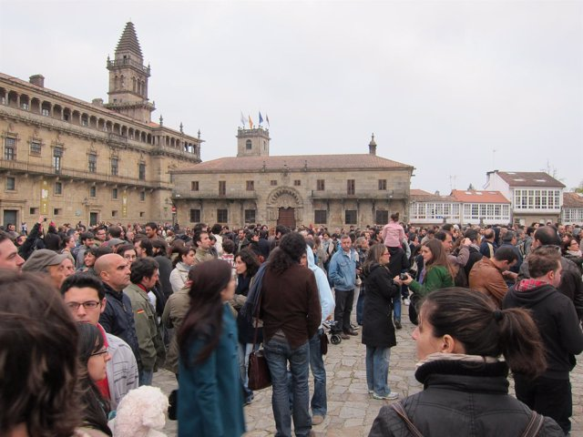 Concentración En La Plaza Do Obradoiro Contra Los Incendios