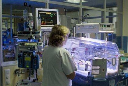 Investigadores del Vall d'Hebron prueban un dispositivo que frena el parto prematuro
