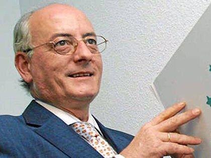 """Asociaciones de familia critican los recortes y advierten de que su partida ya era """"ridícula"""" con respecto a Europa"""