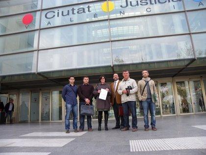El Ayuntamiento de l'Alcora y 'No a la Contaminación' formalizan el recurso contra la AAI a Reyval