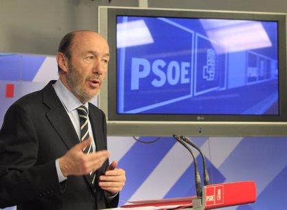 """Rubalcaba: """"Rajoy castiga en los presupuestos a Andalucía por no haber votado a Arenas"""""""