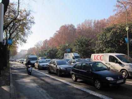 Cerca de 10 kilómetros de retenciones en la Comunidad de Madrid una hora después del arranque de la operación salida