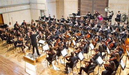 Teatro de la Maestranza recibe este lunes a la OJA, que interpretará piezas de Menotti, Marco y Mahler